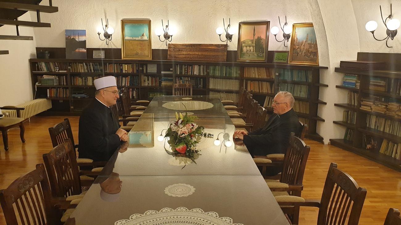 Muftija i biskup